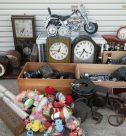古時計、カメラ、ソフビ貯金箱、洋酒など