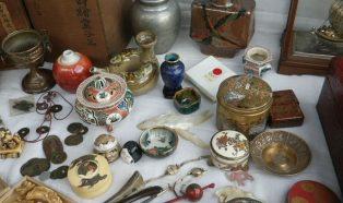 象牙、珊瑚、玉製品など骨董小物類いろいろ