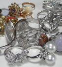 金やプラチナなど貴金属ほか